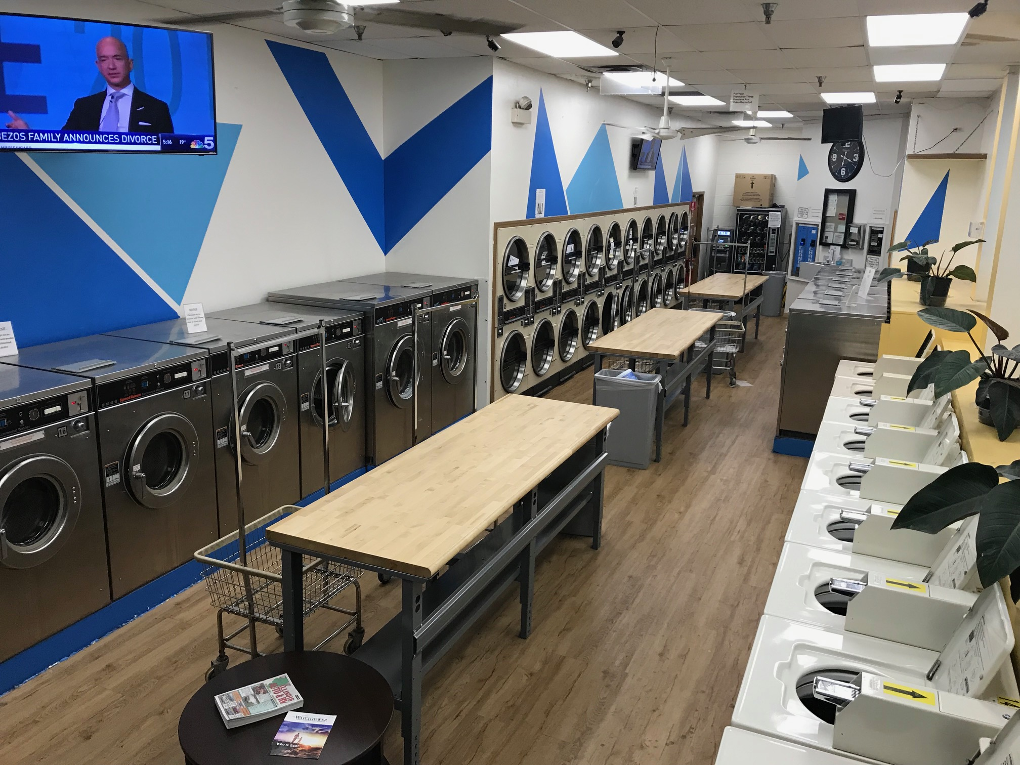 **New Listing: Alsip Square Laundromat